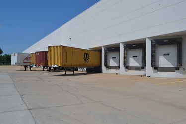 Warehouse for rent in Bridgeton, MO