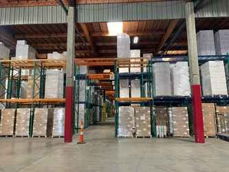 Warehouse for rent in Vernon, CA