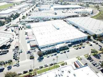 Warehouse for rent in Compton, CA