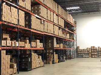 Warehouse for rent in Batavia, IL