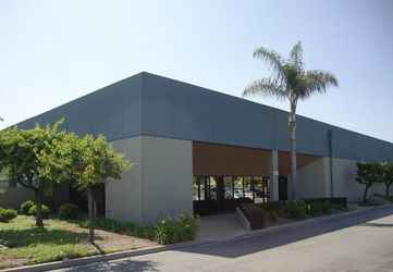 Warehouse for rent in Santa Ana, CA