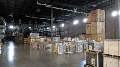 Warehouse for rent in Aurora, IL