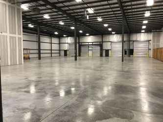 Warehouse for rent in Alpharetta, GA
