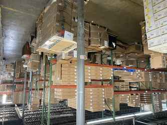 Warehouse for rent in Carlstadt, NJ
