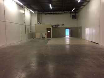 Warehouse for rent in Addison, TX