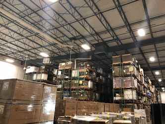 Warehouse for rent in Bolingbrook, IL