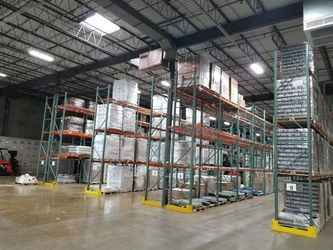 Warehouse for rent in Vernon Hills, IL
