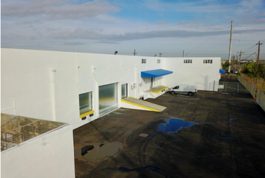 Warehouse for rent in Miami, FL