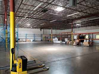 Warehouse for rent in Grand Prairie, TX