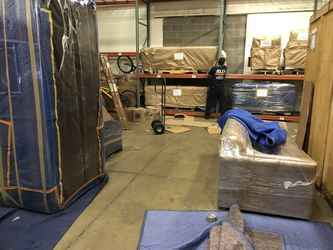 Warehouse for rent in Akron, OH